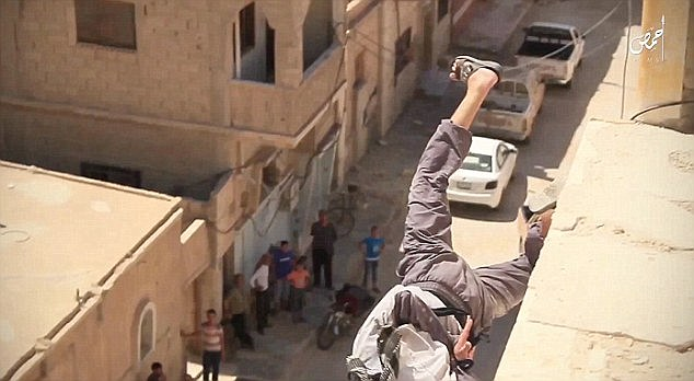 isis-throws-15-yr-old-boy-off-roof-for-homosexuality-2