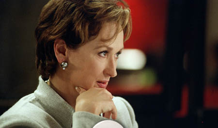 manchurian-candidate-2004-streep-mc-mother
