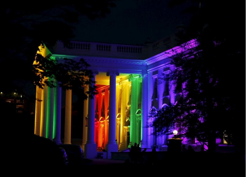 obama-white-house-gay-colors-lit-june-2015-north-entrance