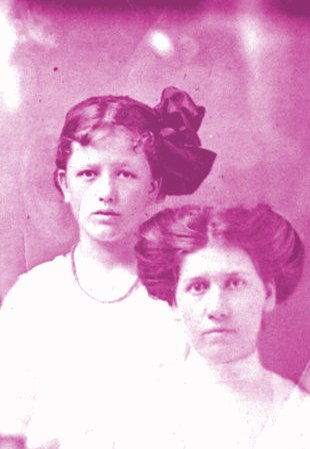 rare-mary-phagan-and-aunt-mattie-phagan.1