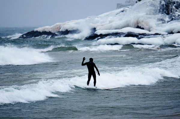 surfing-arquette-lake-superior-up-michigan