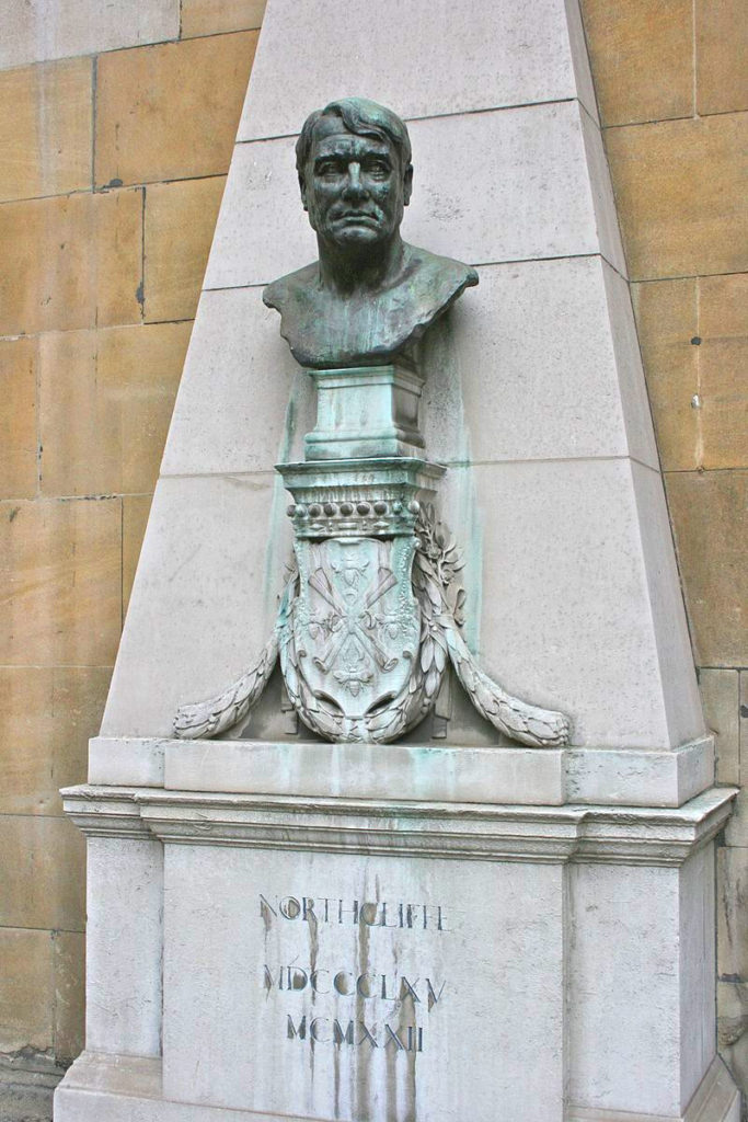 Bust_of_LORD-northcliffe-london