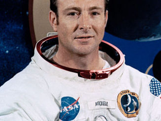 Edgar_Mitchell_nasa-portrait-1971