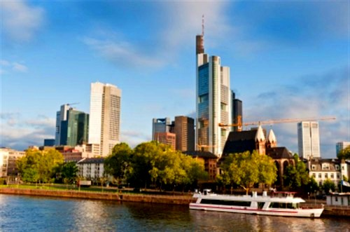 Frankfurt-Germany-skyline-boat.-river