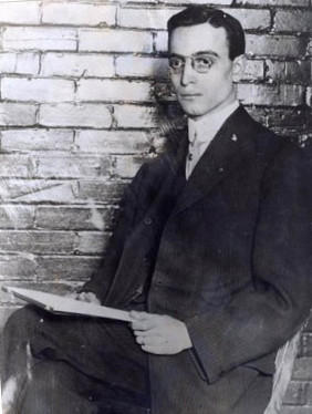 Leo-Frank-seated-jail