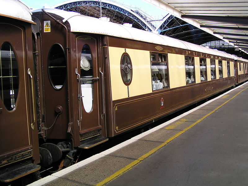 Pullman-car-'Vera'_London_Victoria-station