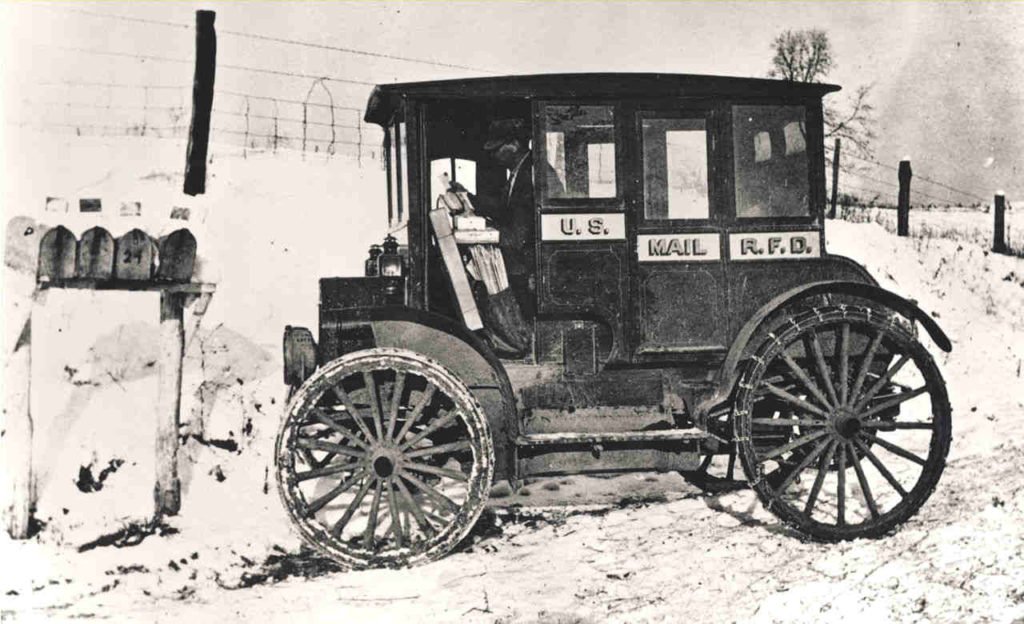 RFD-Tom-Watson-Rural_carrier_automobile_mailboxes_1910