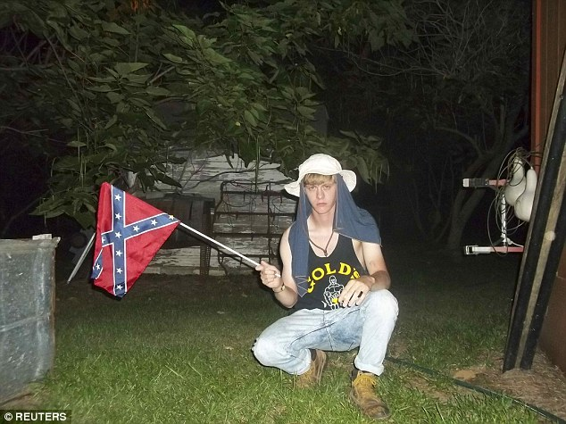 blond-dylann-roof-confederate-flag