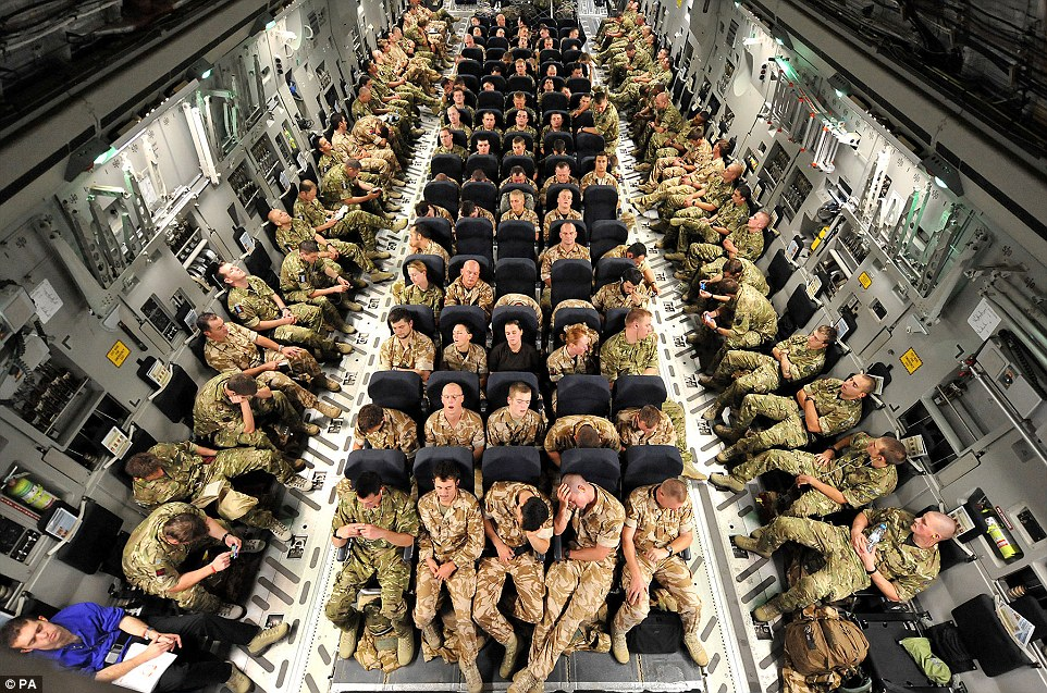 british-soldiers-c-17-cargo-plane-en-route-to-afghanistan