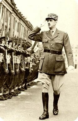 charles-de-gaulle-military-inspection