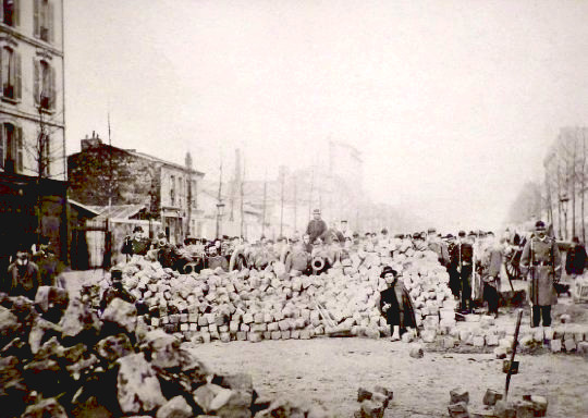communard-barricade-rue-royale-paris-1871