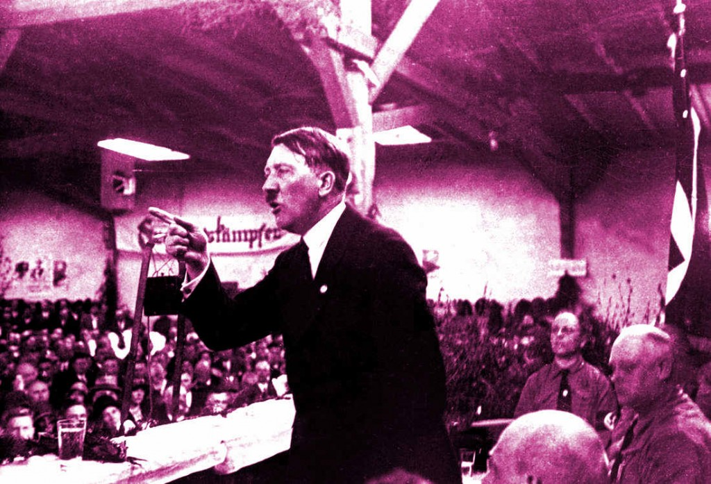 GERMANY - JANUARY 01: Adolf Hitler holding a speech, about 1925. (Photo by Imagno/Getty Images) [Hitler haelt eine Rede. Photographie. Um 1925.]