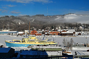 houghton-up-michigan-ship-canal-winter