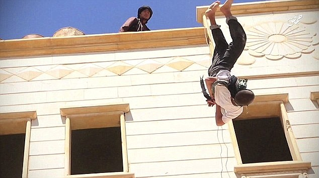 isis-throws-15-yr-old-boy-off-roof-for-homosexuality