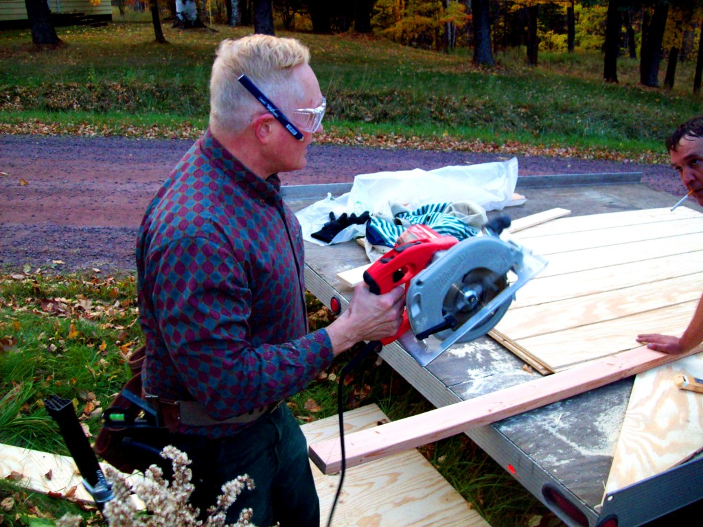 jdn-goggles-holding-circular-saw-delaney-jamie-anderson-21-oct-2015