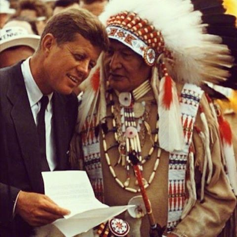 jfk-amerindian-chief