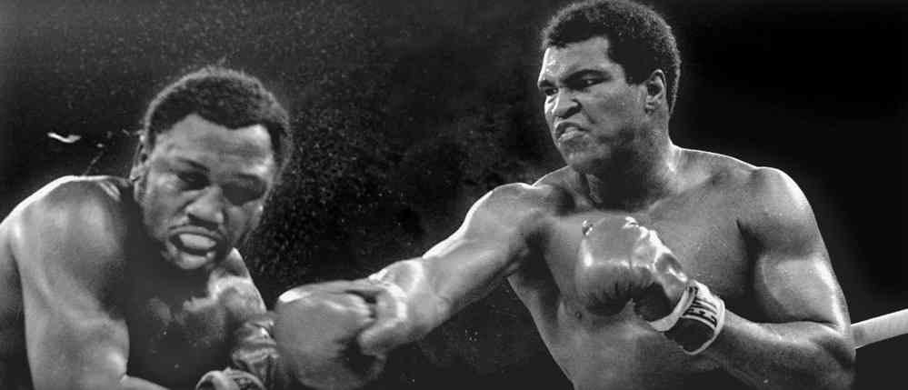 joe-frazier-muhammad-ali-fight-sweat-flies