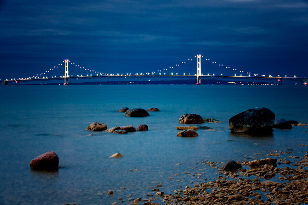 mackinac-bridge-profile-evening-rocks-up-michigan