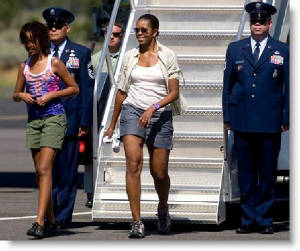 michelle-leaves-air-force-one-slob
