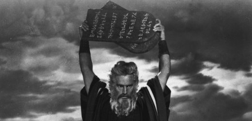 "**In this 1955 file photo Charlton Heston in charecter as Moses in ""The Ten Commandments."" Heston, who won the 1959 best actor Oscar as the chariot-racing ""Ben-Hur"" and portrayed Moses, Michelangelo, El Cid and other heroic figures in movie epics of the '50s and '60s, has died. He was 84. (AP Photo/American Movie Classics, FILE)"