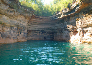 munising-up-michigan-lake-superior