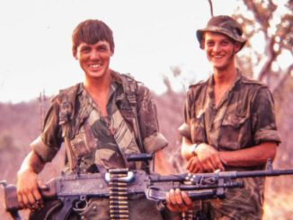 rhodesian-young-soldiers-smiling