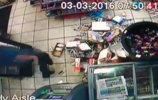 trapped-black-thief-trashes-shell-convenience-store